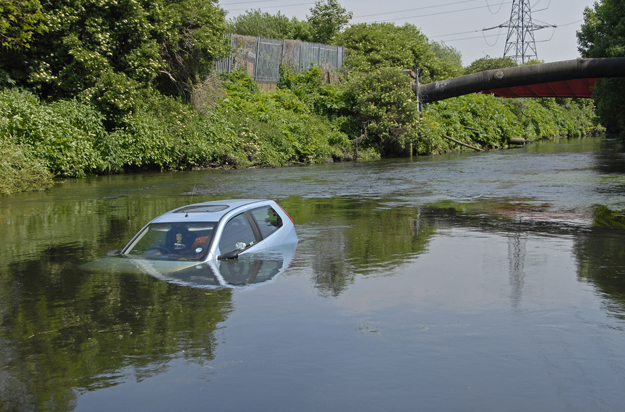Stolen car in River Lee Hackney Marsh 2008